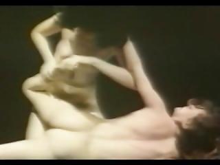 Siamo-nude Wrestling