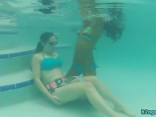 Apple & Drea Share Breath Underwater