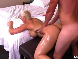 Naomi - Hot Mom Pov Fucked