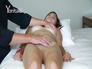 Yonitale Young Diana Is Getting A Powerful Orgasm.