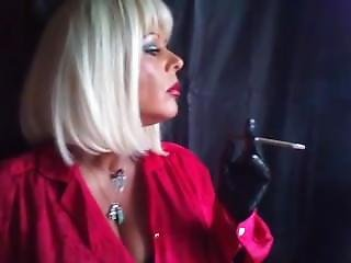 Msrubbernurse Smoking Fetish2cigarettesm120mm With Rubbergloves