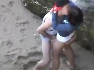 Se Deja Pillar Jovenes Calientes En La Playa