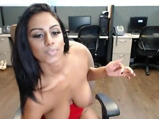 Indian With Big Boobs Playing On Webcam - More Videos On Camsbarn.com