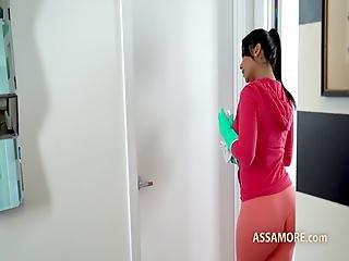 Rose Monroe Latina Horny Maid