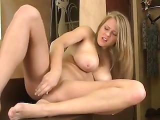 Extremely gorgeous ggirl masterbating