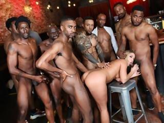 fekete pornósztár orgia