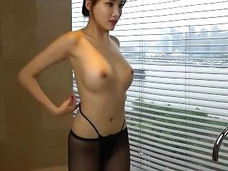 Chinese Model ??? Alice Zhou - Nude Shoot Bts Raw 02