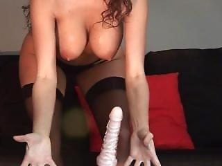 Cindi Aka Sexonthebeach Rides Dildo