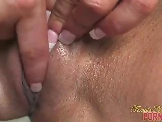 Female Bodybuilder Porn Star Closeup Clit Masturbation