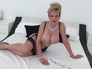 gross titte, blondine, kleid, unterwäsche, Reife, pornostar, solo, necken, ausziehen