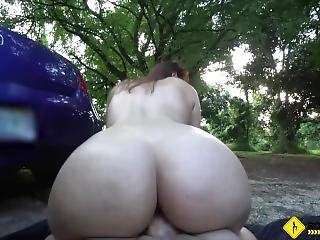Roadside - Big Booty Latina Chick Fucks Her Mechanic In The Woods