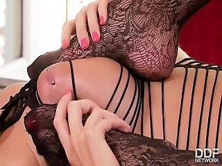 Must See - Extra Incredible Blonde Lesbians In Stockings Go Anal