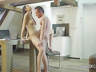 Brunette Couple Enjoy Copulating On Vacation