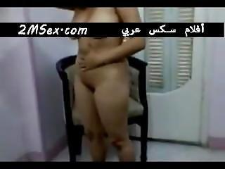 Chubby Amateur Arab Gets Naked - 2msex.com