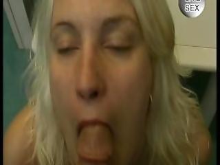 Blonde Amateur Julia Reaves