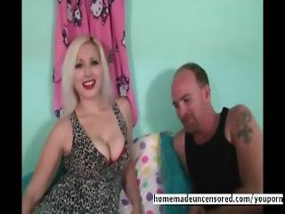 amateur, blonde, pipe, poitrine généreuse, doigtage, à la maison, tourné à la maison, interview, bisous, stocker, suce, sous-vêtements