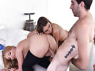 Hot Momma Rachael Joins Dauther In A 3some Sex