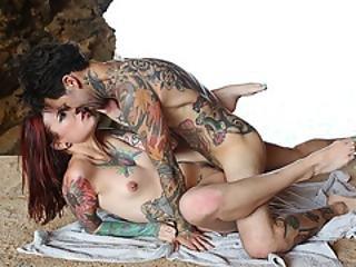 69, pompini, gola profonda, scopata, baci, orale, all'aperto, rossa, tatuaggio