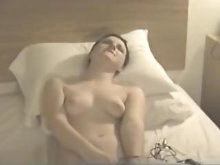 Homemade Short Hair Girl Masturbates