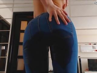 Dancer Wetting Her Jeans Again