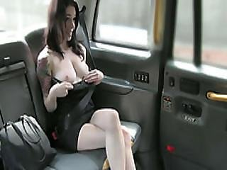 Pretty American Hot Babe Badly Wants A Scottish Cock