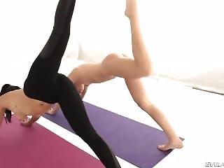 Girlfriends Yoga Workout