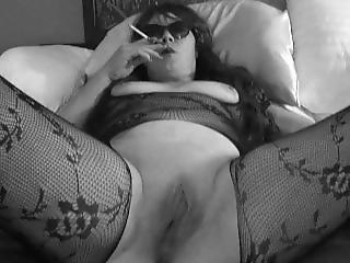 B&w Holder Smoking Vs Superslim Menthol Pussy Closeup Milf