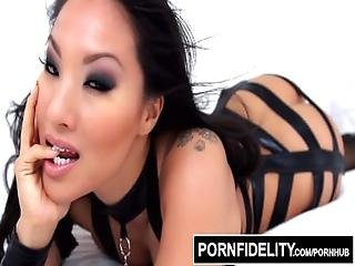 Pornfidelity   Asa Akira Licks Cum From Her Fleshlight Pussy After Anal