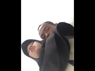 (bokepstreaming.net) Cewek Jilbab Dientot Tni