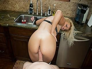 Kenzie Greens Pussy Romp On The Kitchen Sink