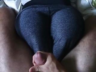 Grinding And Cumshot On Yoga Pants