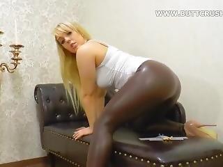 Yasemin Giantess Legging Buttcrush