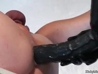Kinky Strapon Pleasure