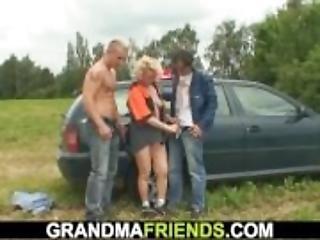 ξανθιά, διπλό γαμήσι, γαμήσι, granny, ώριμη, μεγάλος, πραγματικότητα, τριο