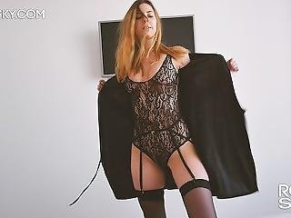 18 Years Babe In Stockings Makes Sloppy Blowjob And Gets Oral Creampie Pov