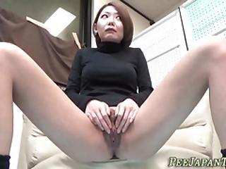 Weird Asian Teen Urinates