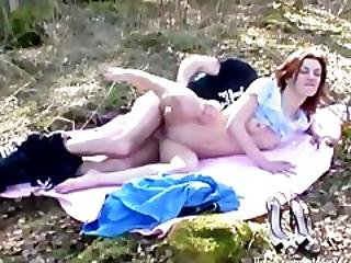 Amateur Redhead Likes To Fuck Out In Nature