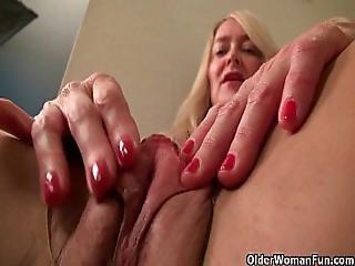 America S Sexiest Milfs Part 11