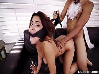 Latina Babe Mia Martinez Receives An Early Xmas Punishment Am15733