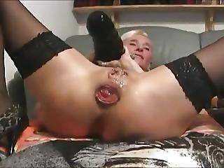 Masturbace, Propíchaní, Tetování, Webkamera