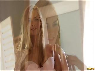 Beautiful Girl Fingering Herself