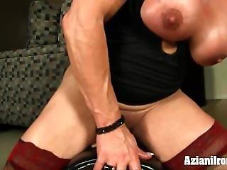 Strong Women Wanda Rides The Sybian