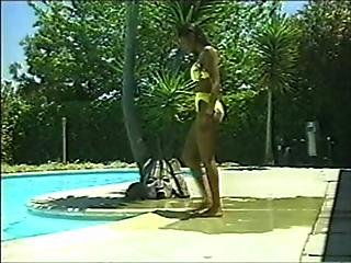Ebony Babe Fucked In The Pool