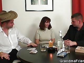 πούτσα, Granny, ώριμη, Milf, πόκερ, τριο, νέα