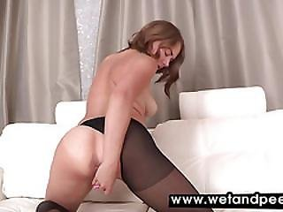 Teen Playing With Her Warm Fresh Piss