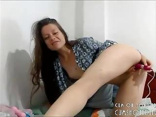Cute Webcam Teen Stuffing Her Tight Pussy And Ass