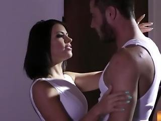 Adriana Chechik Wants Her Bff S Hubby