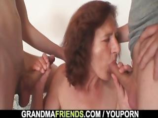 Γιαγιά πορνό Τρίο