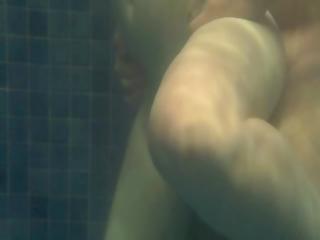 Transando Na Piscina - Fucking In The Pool