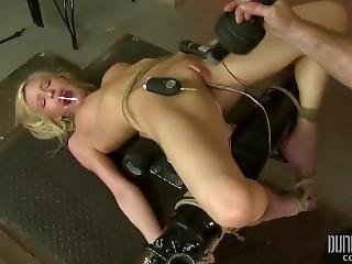 Skylar Green - Teen Bdsm - Massively Vibrated Pussy